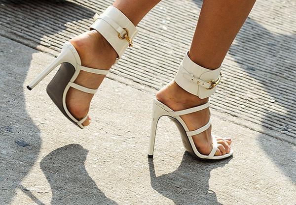 Bí quyết chọn giày những cô nàng tự tin với chiều cao của mình 1